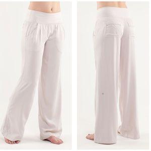 LULULEMON Drishti Dune Pants Size 4